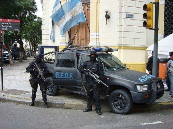 Los Militares intentan un golpe de estado.